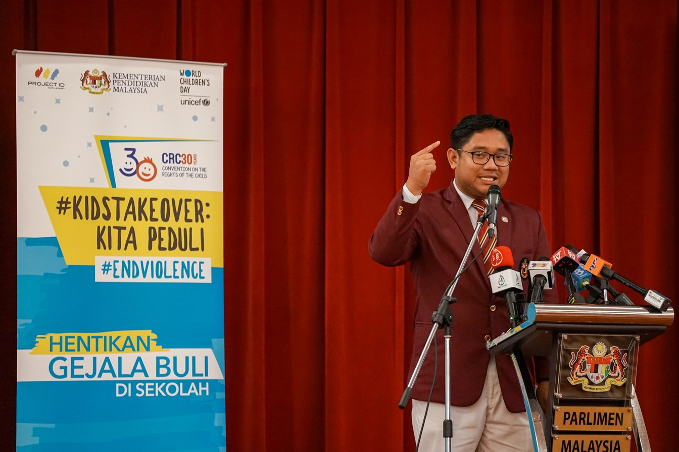 Muhammad Faiz Farhan Bin Yusnizam (16) from Perak presents the second set of recommendations for an Anti-Bullying School Policy during the KidsTakeover Parlimen.