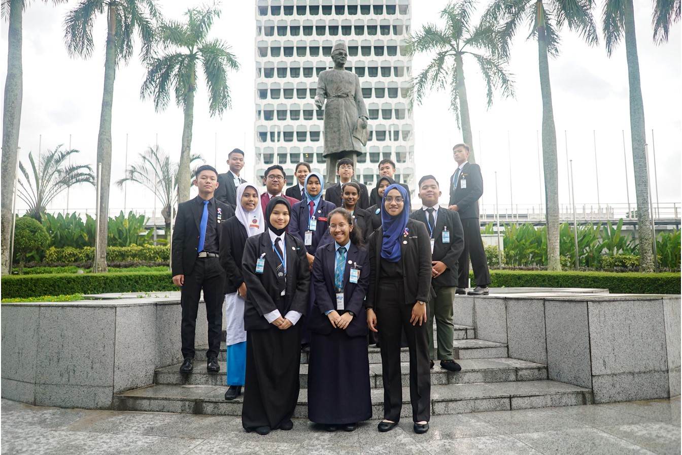 KidsTakeover Parliament - in front of Malaysia's first Prime Minister, Tuanku Abdul Rahman.